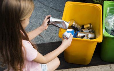 Farbige Mülleimer für alle Grundschulklassen